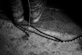 Serie 2: Schoenen in het voorportaal (foto: Janneke Stoffelen)