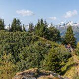 """14 Op de vierde wandeldag pakken we een paar bergtopjes mee, deze was te klein om er met de hele groep op te staan (<a href=""""https://baswetter.photography"""" target=""""_blank"""" rel=""""noopener noreferrer"""">Bas Wetter</a>)"""
