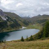 """19 Na de rustdag slaat het weer om en is het bewolkt, rechts is de Tappenkarseehütte nog net zichtbaar (<a href=""""https://baswetter.photography"""" target=""""_blank"""" rel=""""noopener noreferrer"""">Bas Wetter</a>)"""